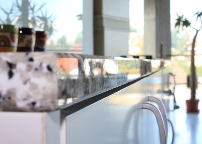 g nstige k chenarbeitsplatten aus bianco sardo. Black Bedroom Furniture Sets. Home Design Ideas