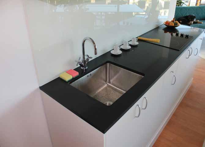 günstige Küchenarbeitsplatten aus Negro Tebas :: Gröbner   {Günstige küchenarbeitsplatten 19}