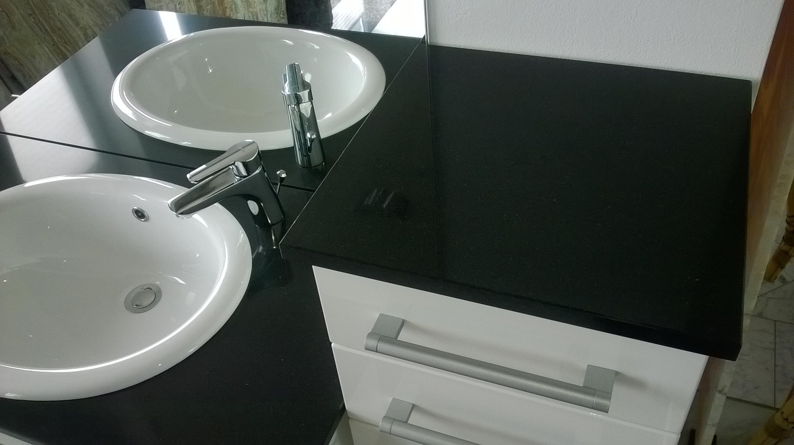 g nstige k chenarbeitsplatten aus granit silestone dekton gr bner. Black Bedroom Furniture Sets. Home Design Ideas