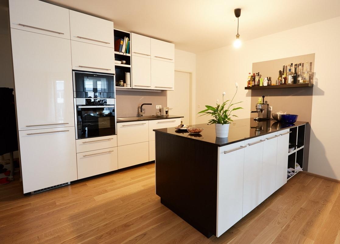 naturstein arbeitsplatten gr bner. Black Bedroom Furniture Sets. Home Design Ideas