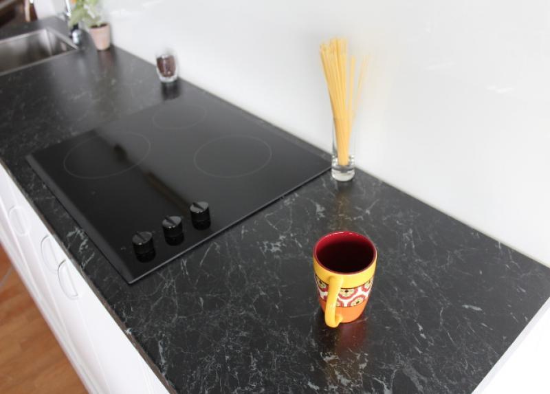 g nstige k chenarbeitsplatten aus egger marmor schwarz gr bner. Black Bedroom Furniture Sets. Home Design Ideas