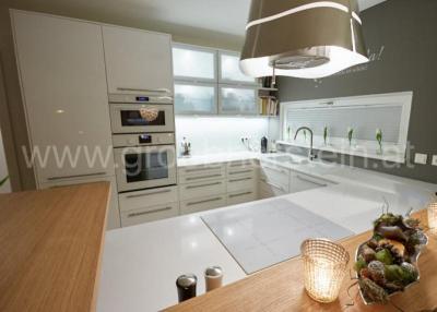 g nstige k chenarbeitsplatten aus iconic white gr bner. Black Bedroom Furniture Sets. Home Design Ideas